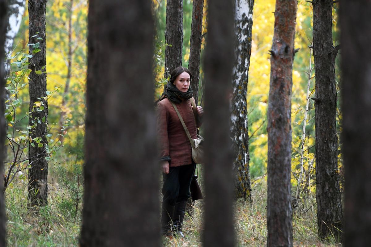 Aktris Chulpan Khamatova saat proses syuting serial TV