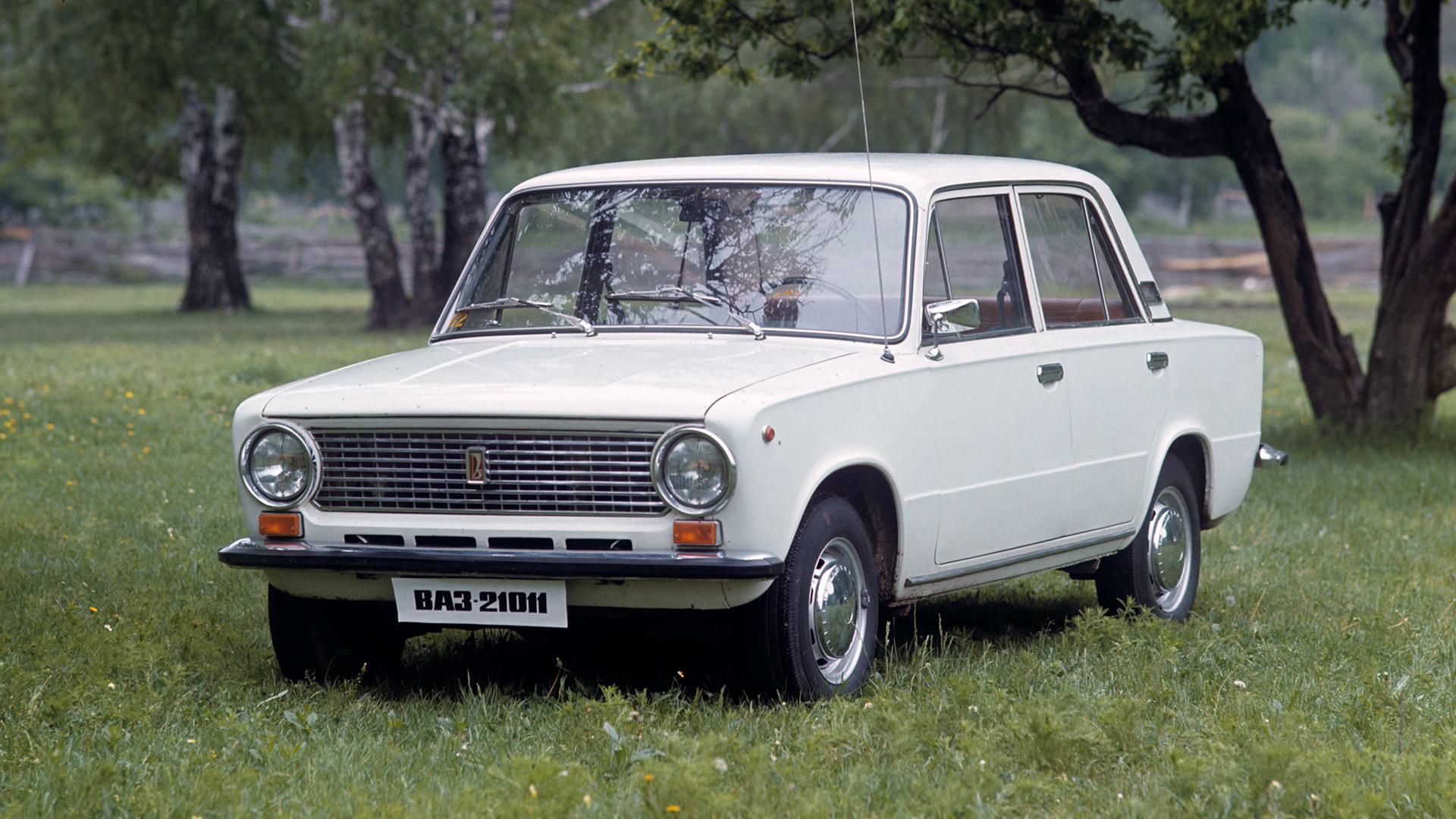 Lada 2101 alias VAZ-2101.