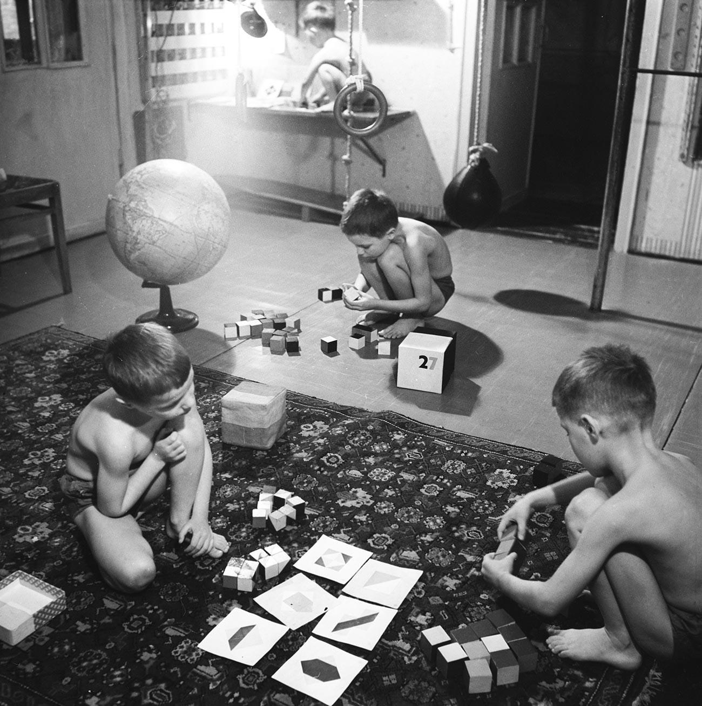 Otroci Nikitinih so si smeli sami razporejati čas, 1968.