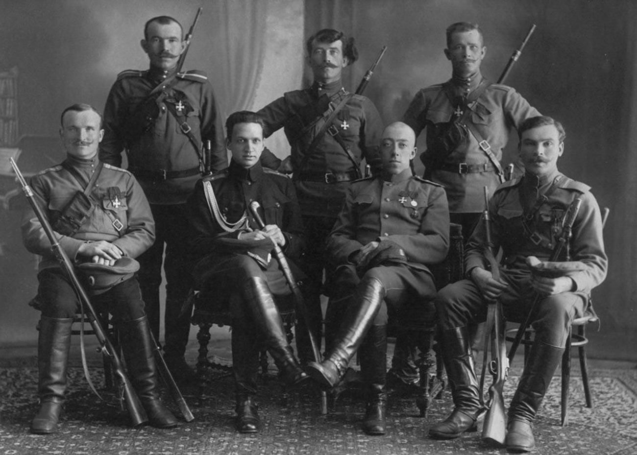 Делегация партизани след прием при военния министър А. И. Гучков