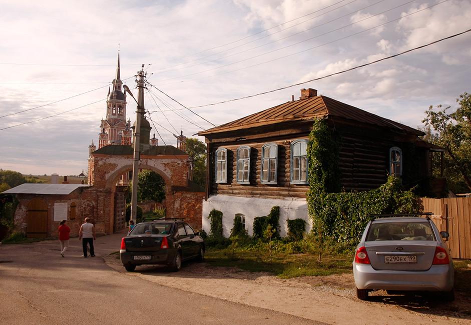 Za razliko od drugih starih ruskih mest Možajsk nima krožne zasnove; njegove ulice imajo mrežno zasnovo, ki je predvsem značilna za mesta v Evropi in Ameriki.