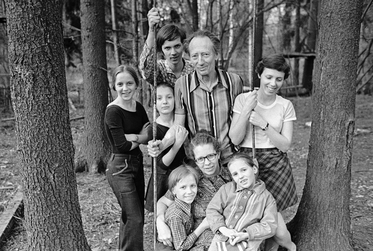 Boris, Lena und ihre Kinder im Jahr 1978