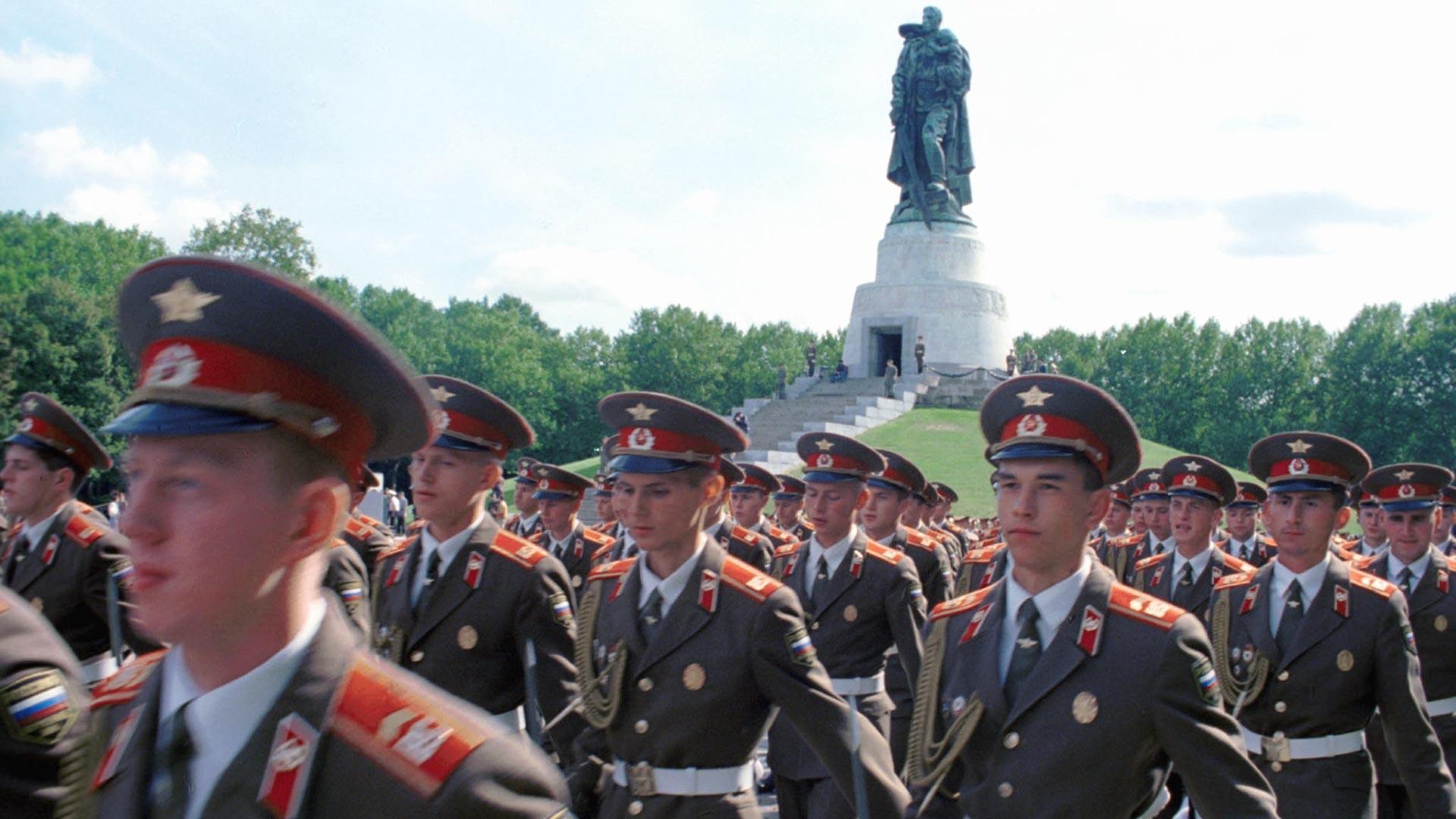 Retrait des derniers soldats russes en Allemagne, en 1994