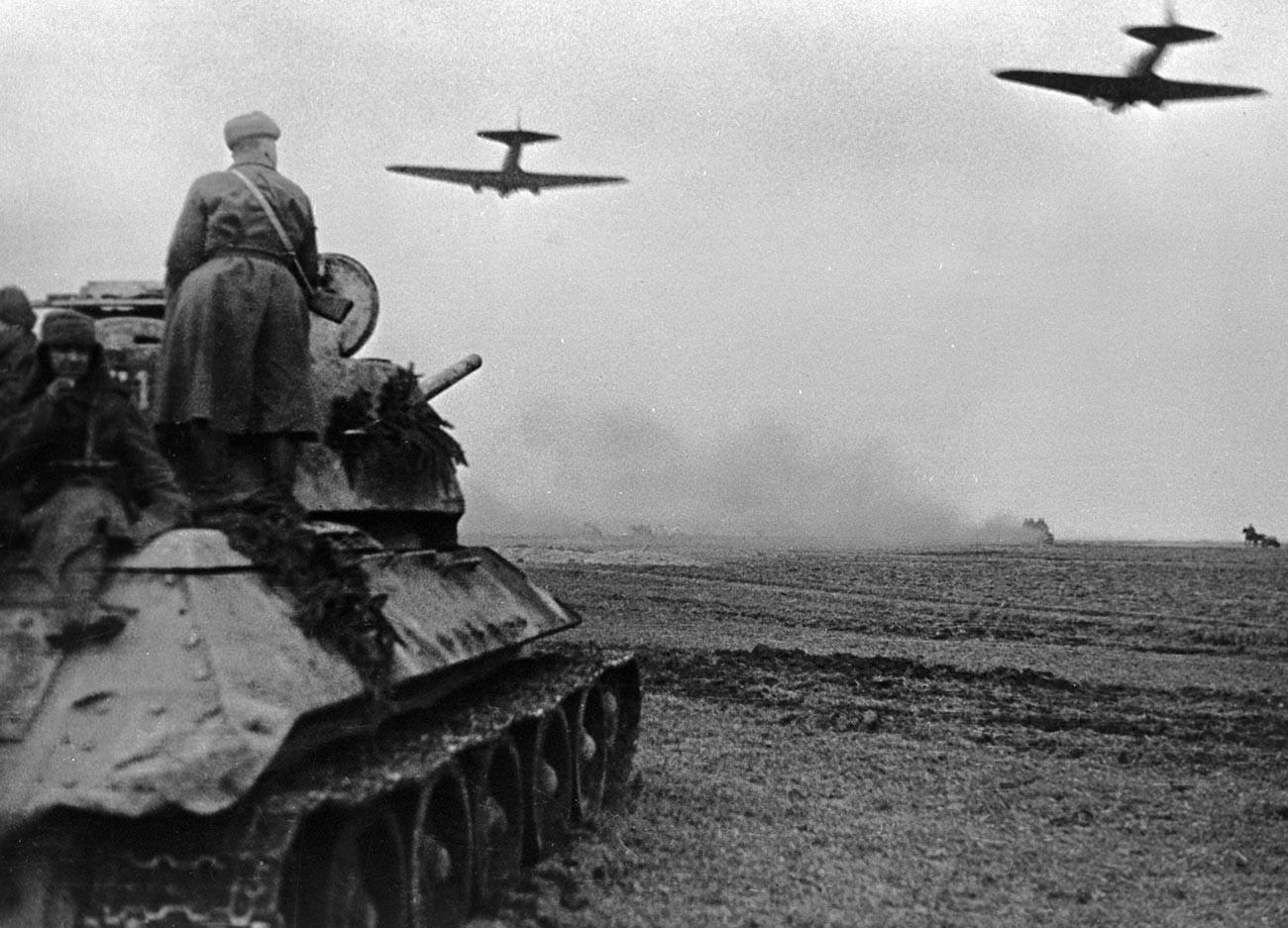 ブレスラウ(現ヴロツワフ)近郊のソビエト軍の攻撃。1945年3月。