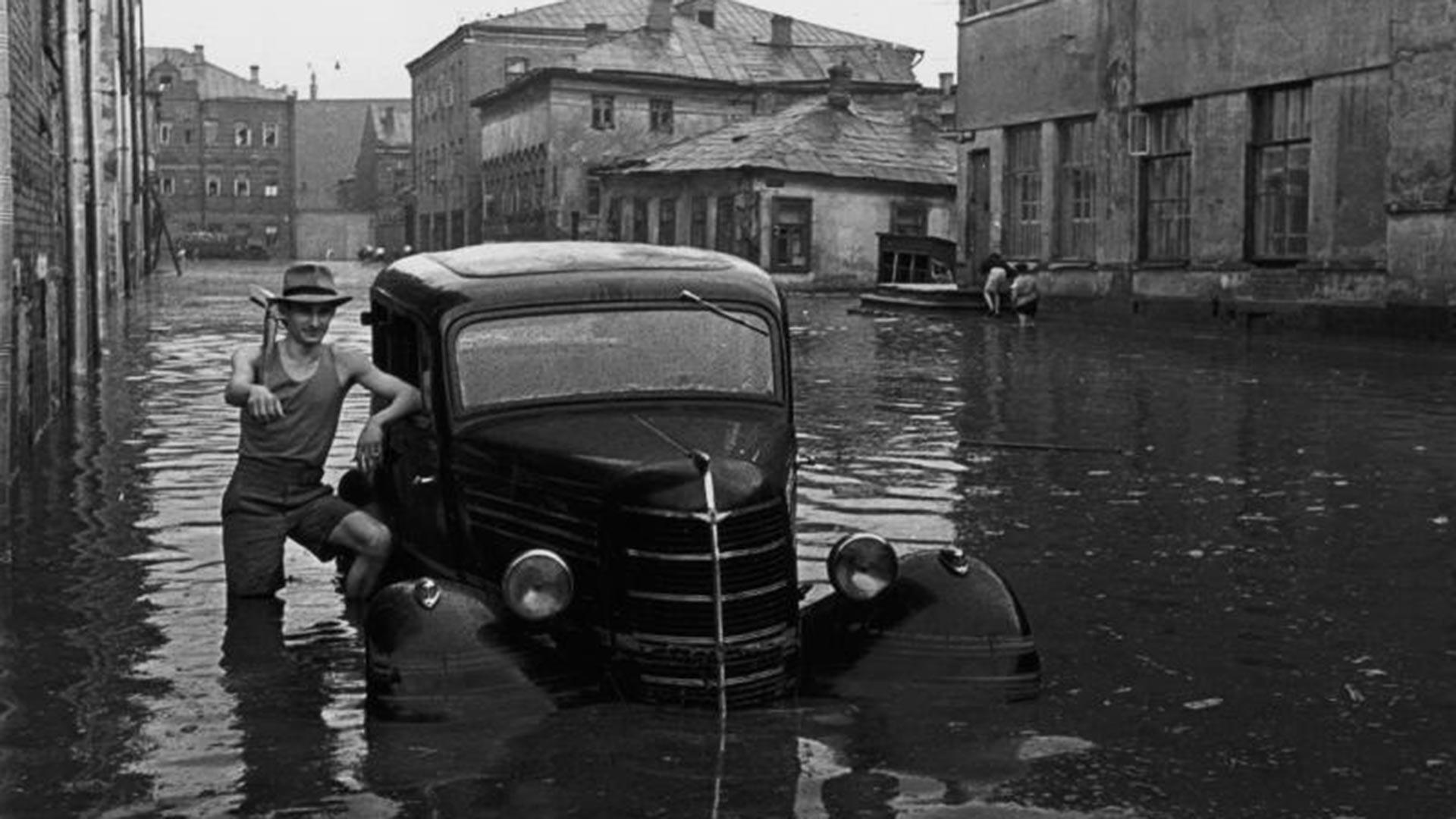 Poplava na ulicama Moskve poslije proloma oblaka u svibnju 1949.