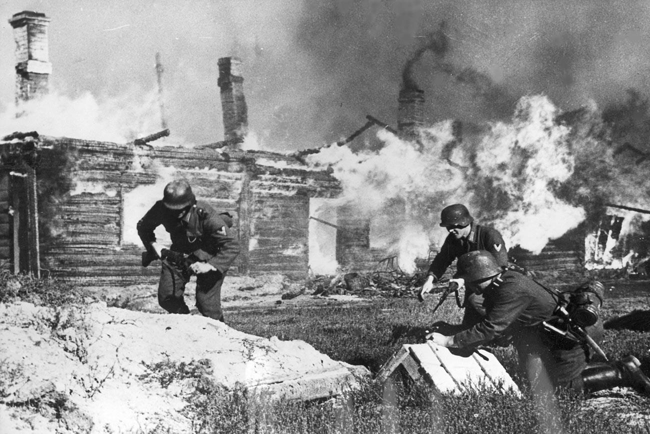 Die deutsche Infanterie während der ersten Monate der Operation Barbarossa.