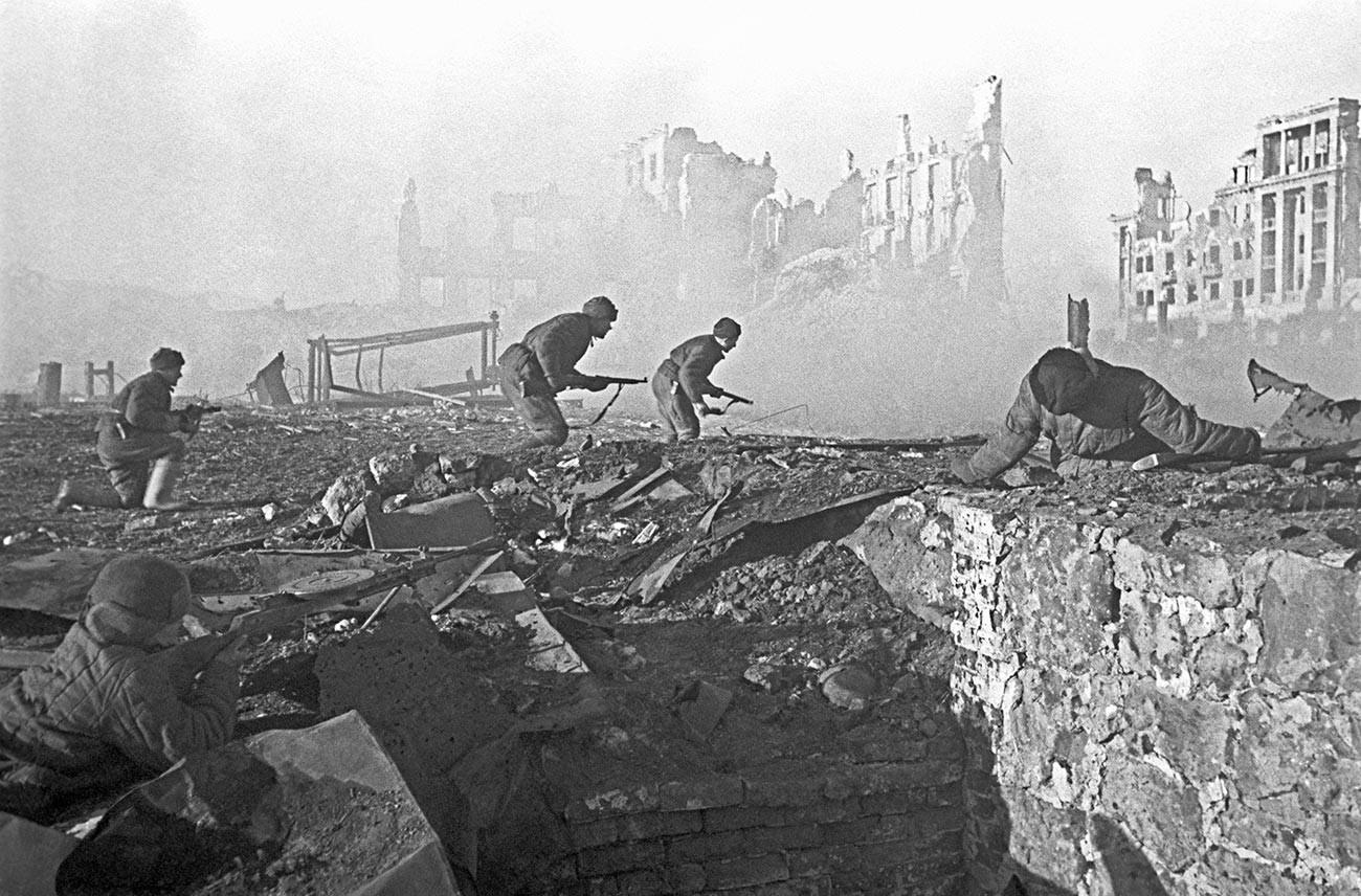 Straßenkämpfe in Stalingrad im November 1942.