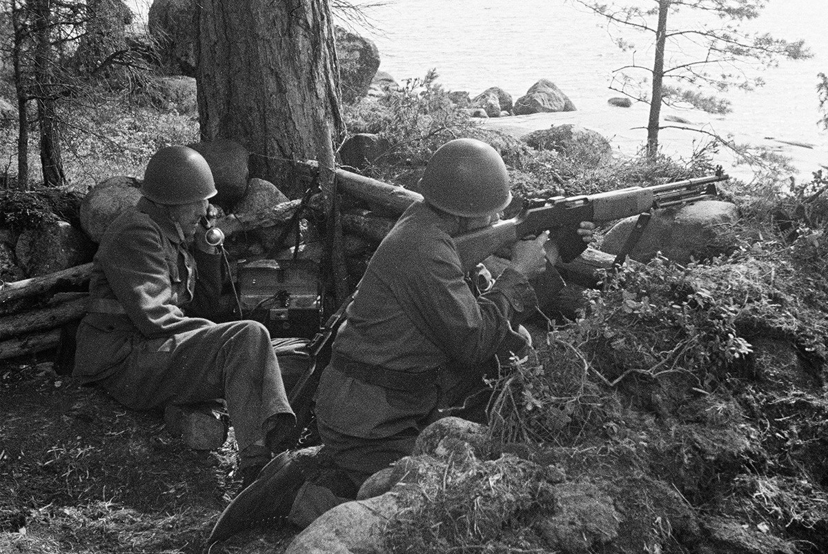 Truppen des schwedischen Freiwilligenbataillons in Südfinnland im Juli 1941