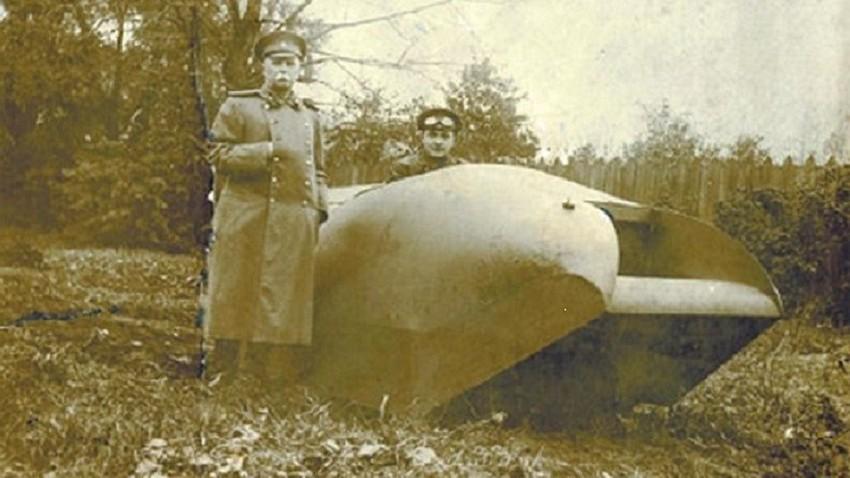 "Sovjetski tenk ""Vezdehod"" Aleksandra Porohovščikova"