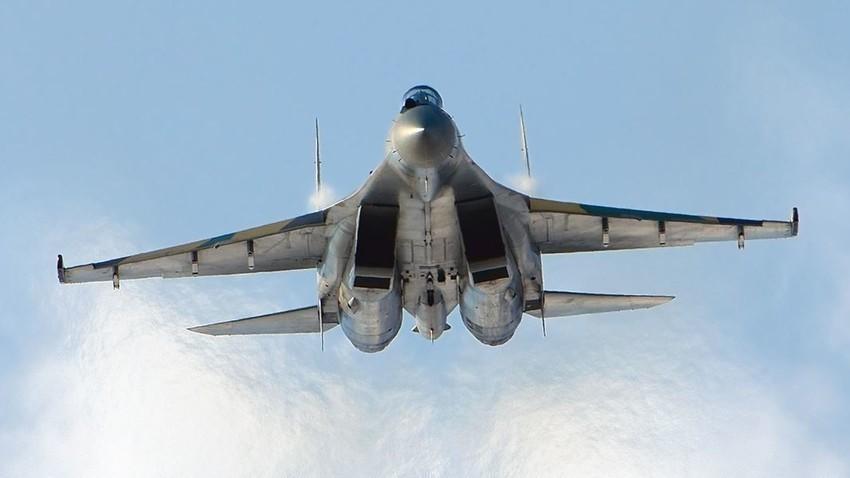 """Su-35, sodobni """"potomec"""" Su-27"""
