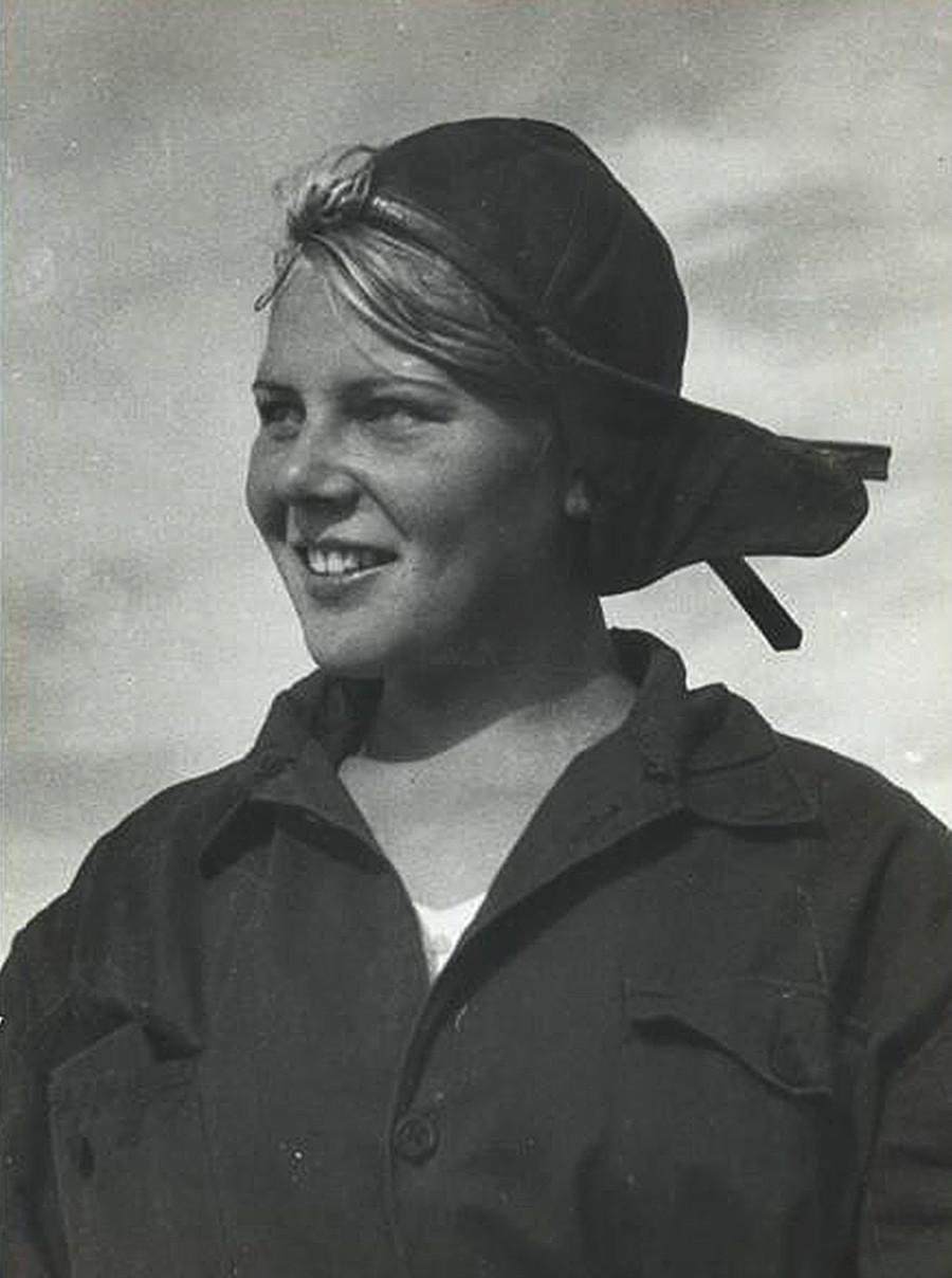 Potret seorang komunis muda.