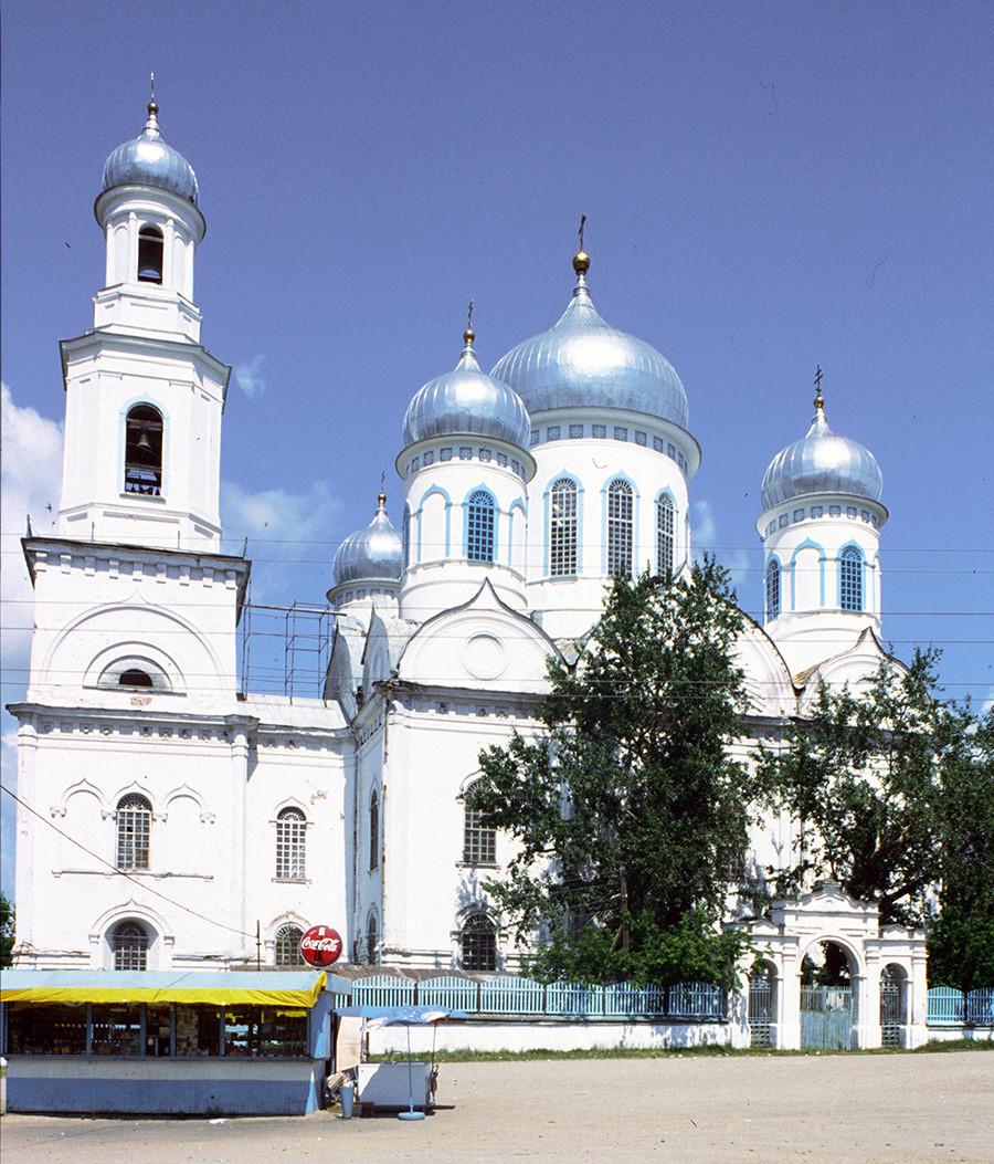Iglesia de la Ascensión y campanario. Vista sur con la Puerta Santa. 14 de julio de 2003.