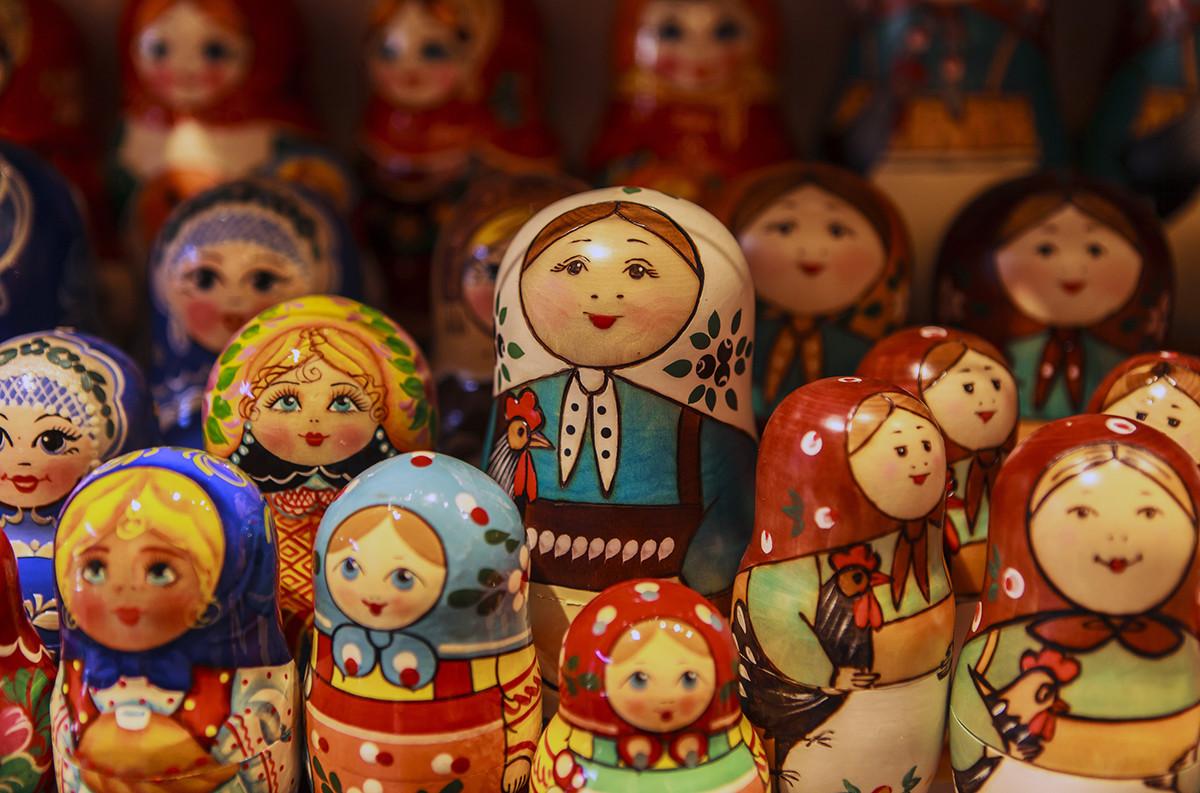 Boneka-boneka Matryoshka di Museum Mainan.