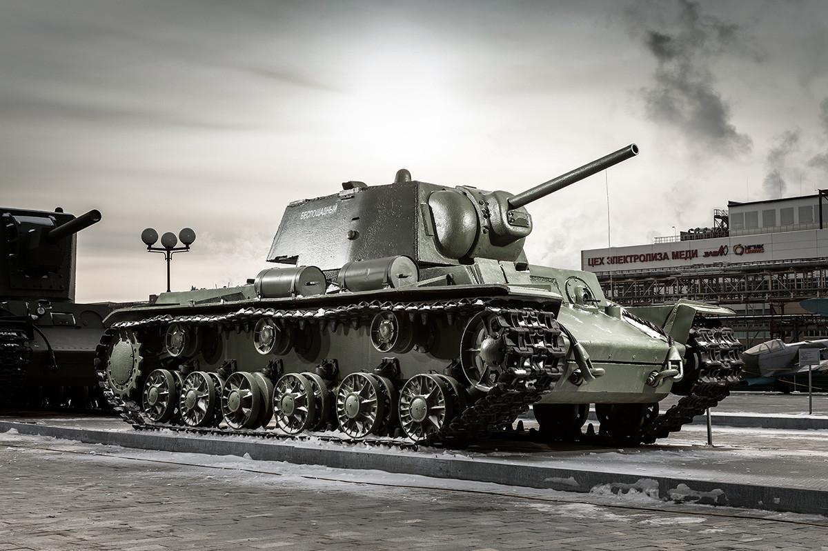 KV-1 tank at the UMMC Museum outside Yekaterinburg.