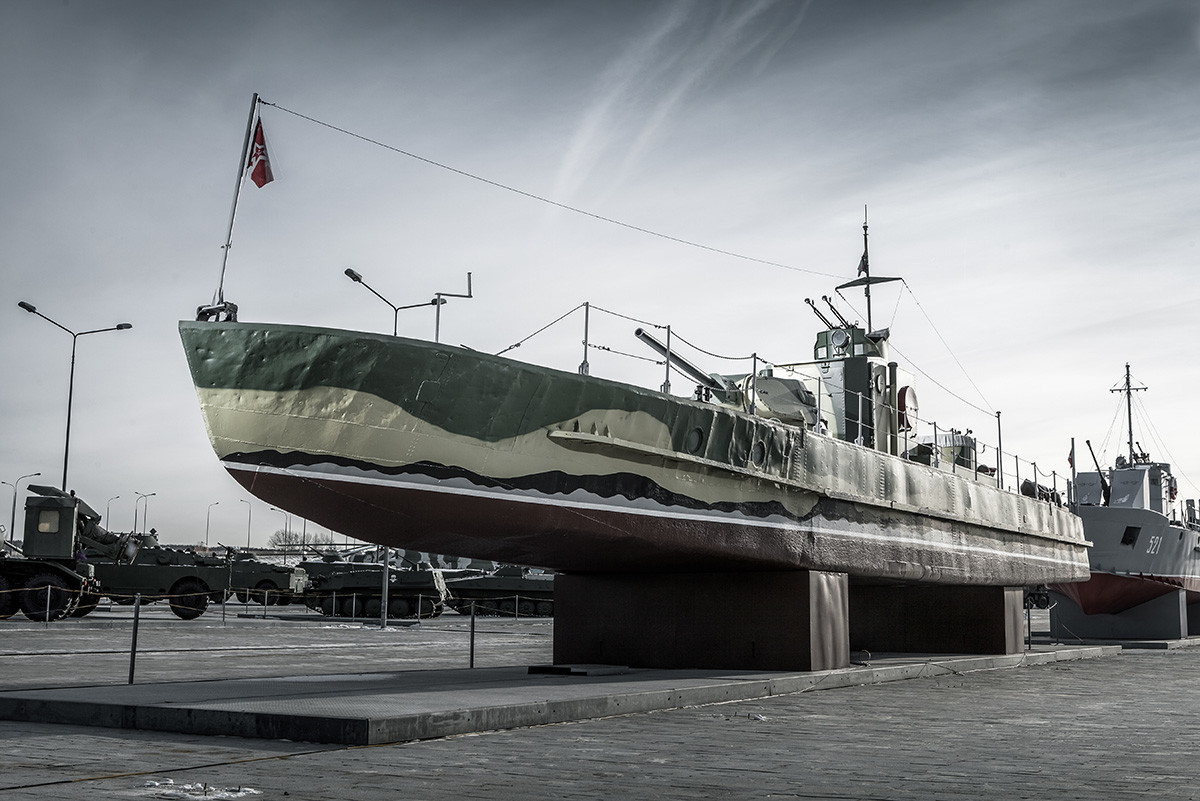 This riverboat was directly involved in the Battle of Stalingrad in the fall of 1942. During disembarkation of the wounded at the Severny quay, the boat was sunk by the Germans.