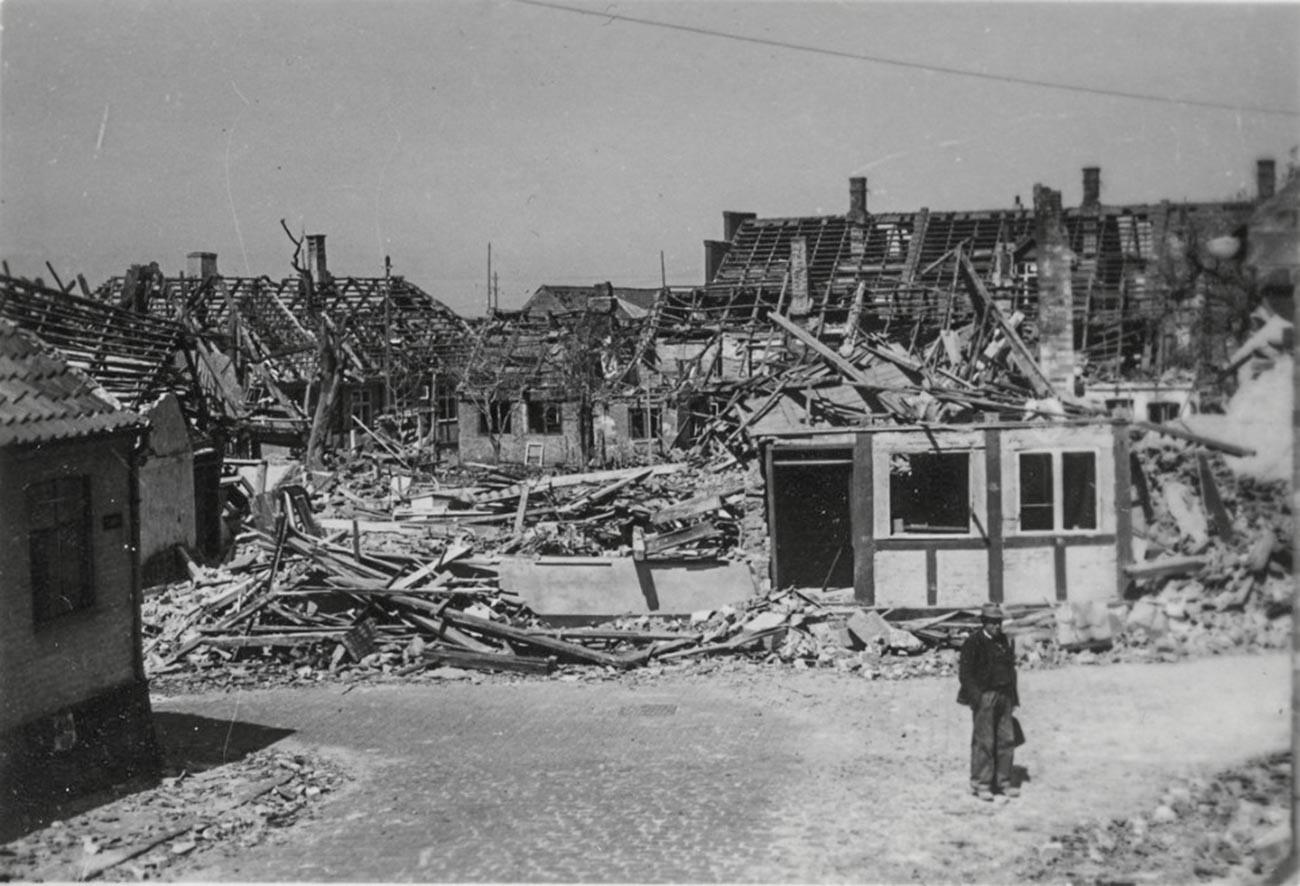 Изглед Ренеа после совјтског бомбардовања.