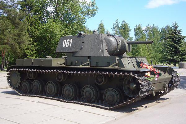 El tanque KV-1.