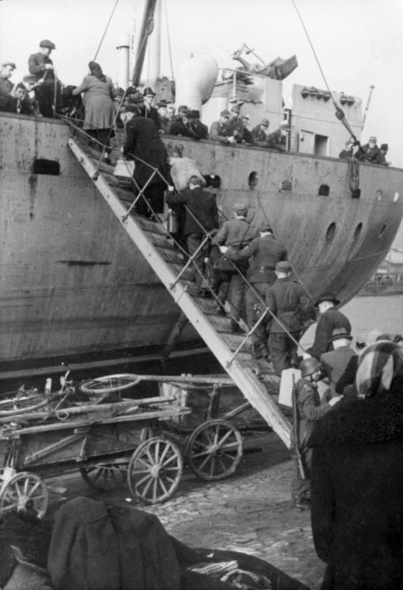 Evakuacija iz Ventspilsa, Latvija.