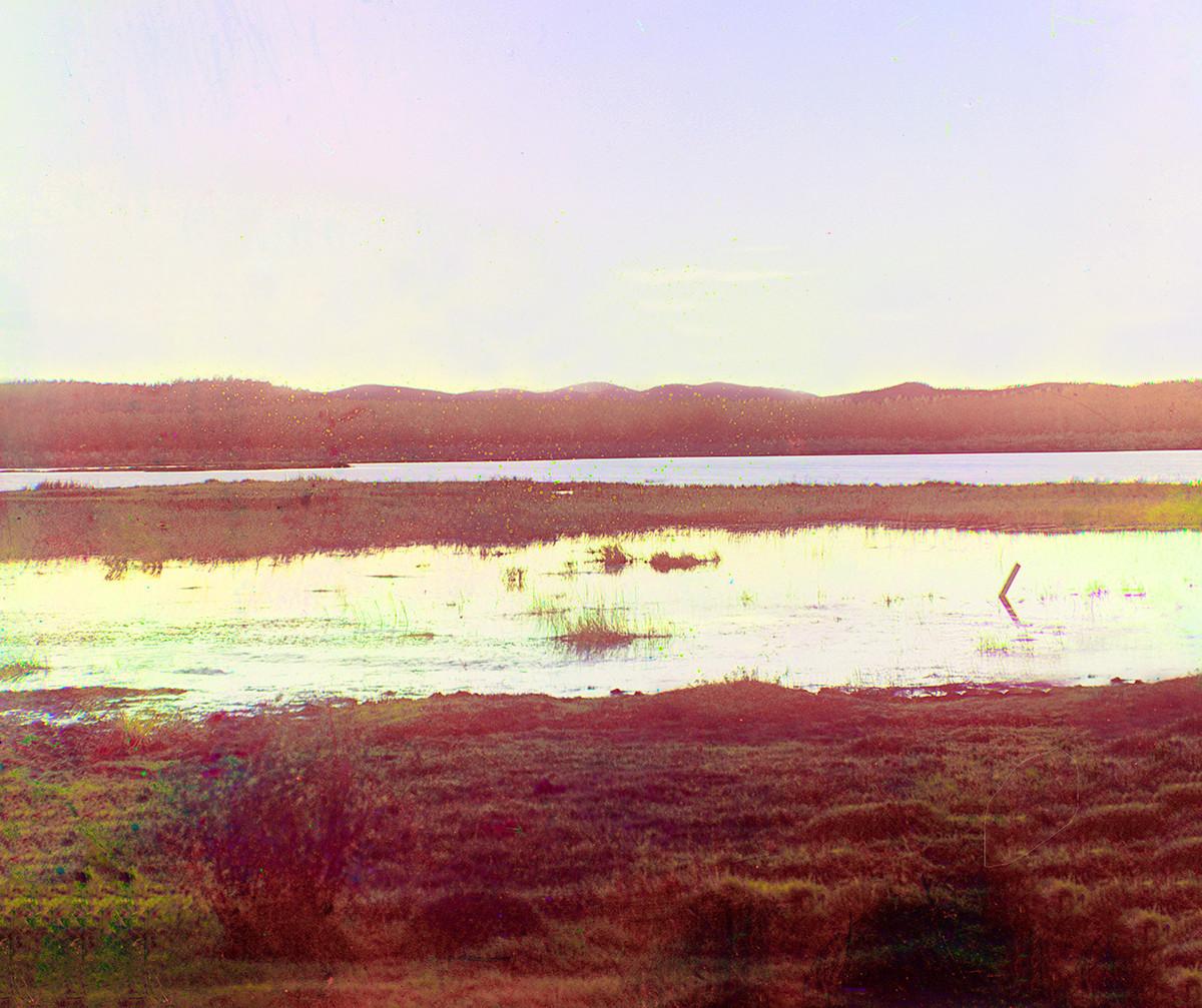 Jezero Sugomak ob sončnem zahodu. 1909.