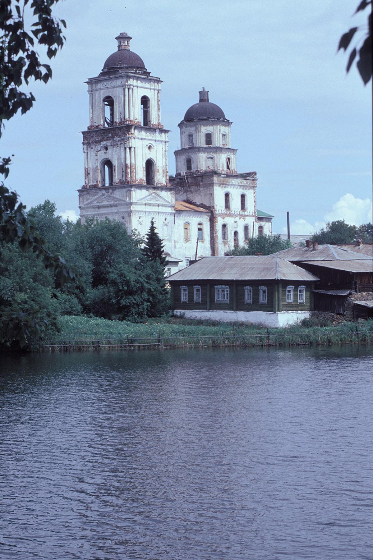Cerkev Spusta Svetega Duha (1760–64). Pogled iz jugozahoda. 14. julij 2003.