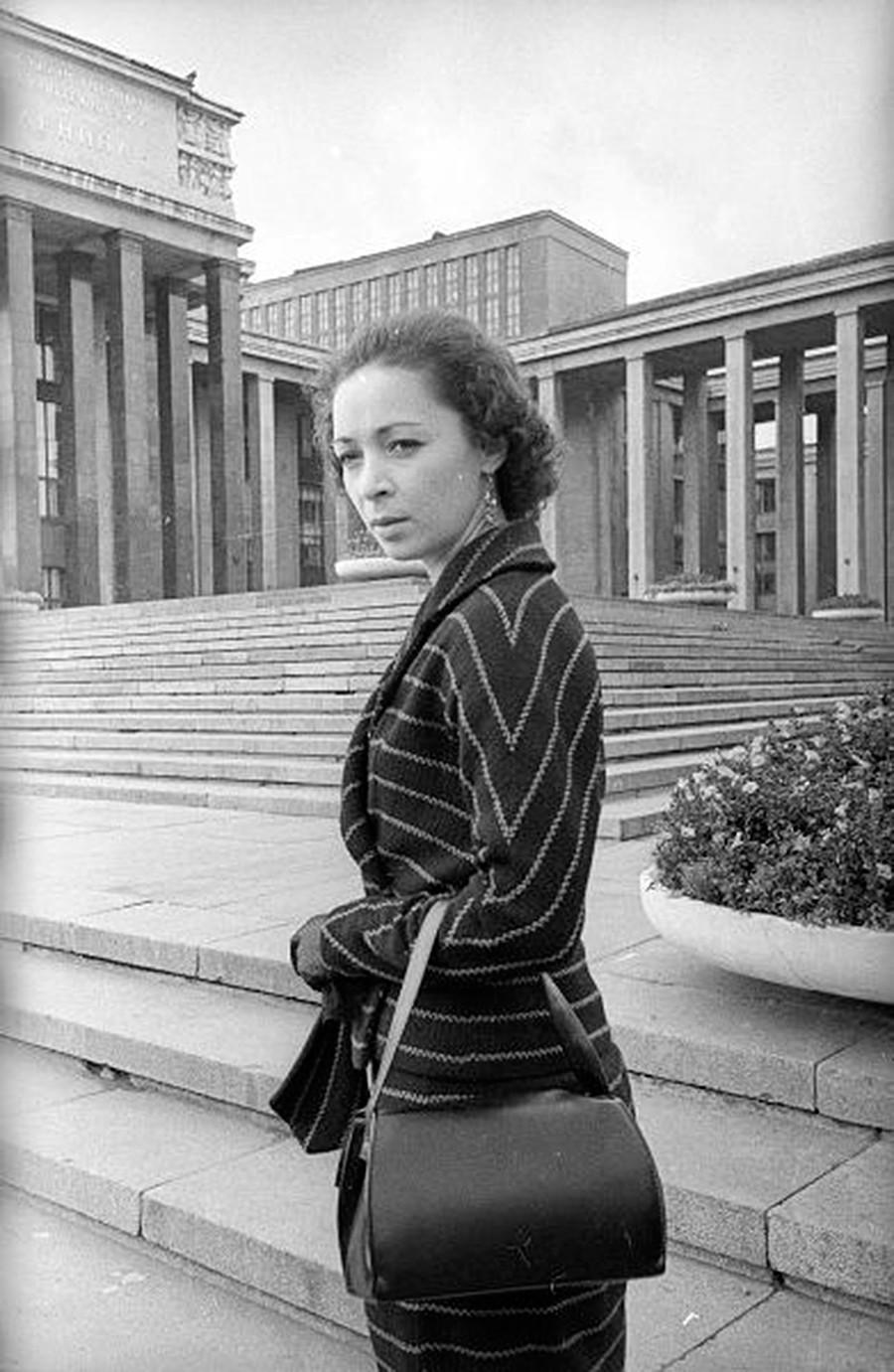 La bailarina de ballet Eleonora Vlasova