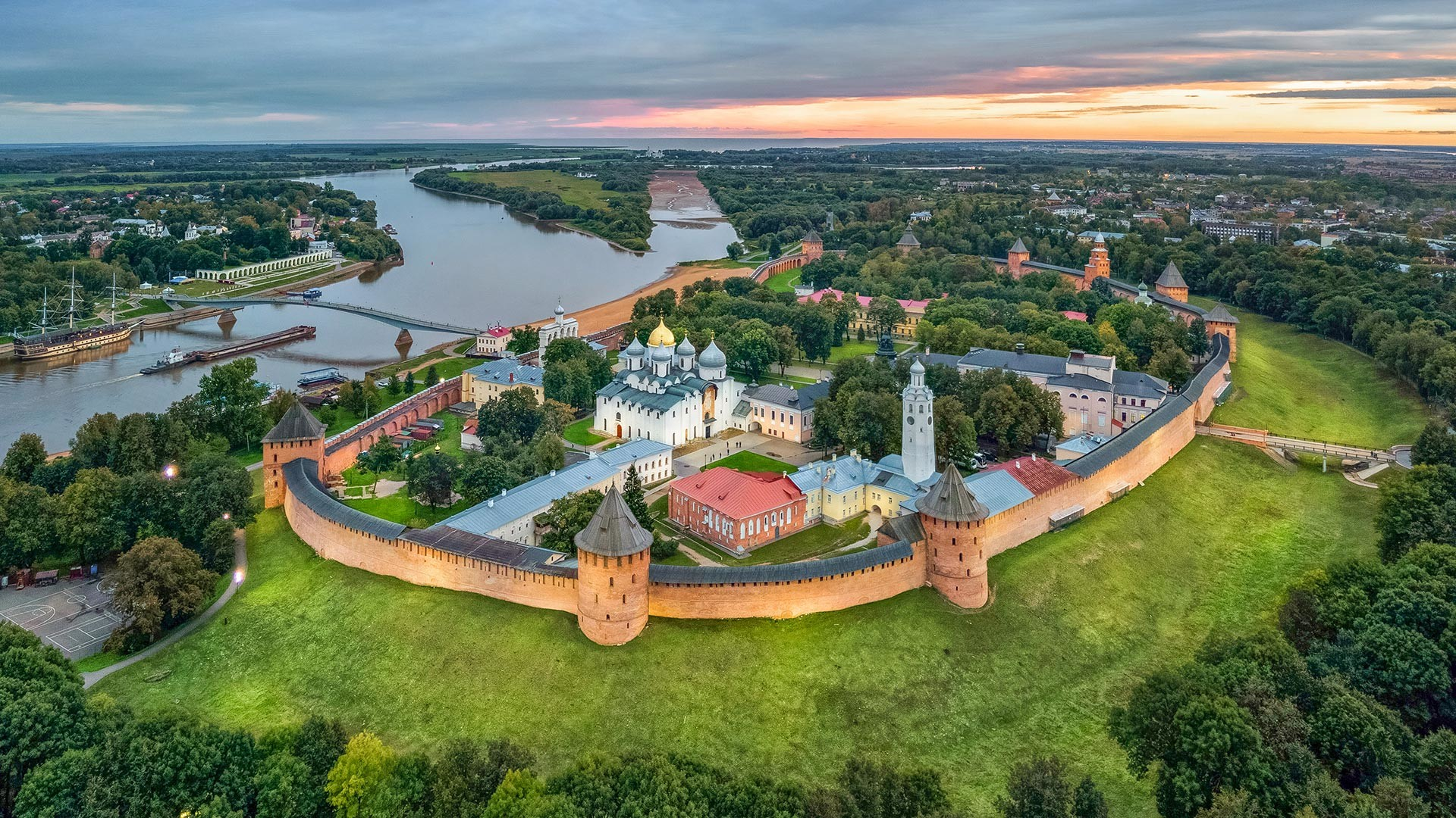 The Novgorod Detinets, aerial view