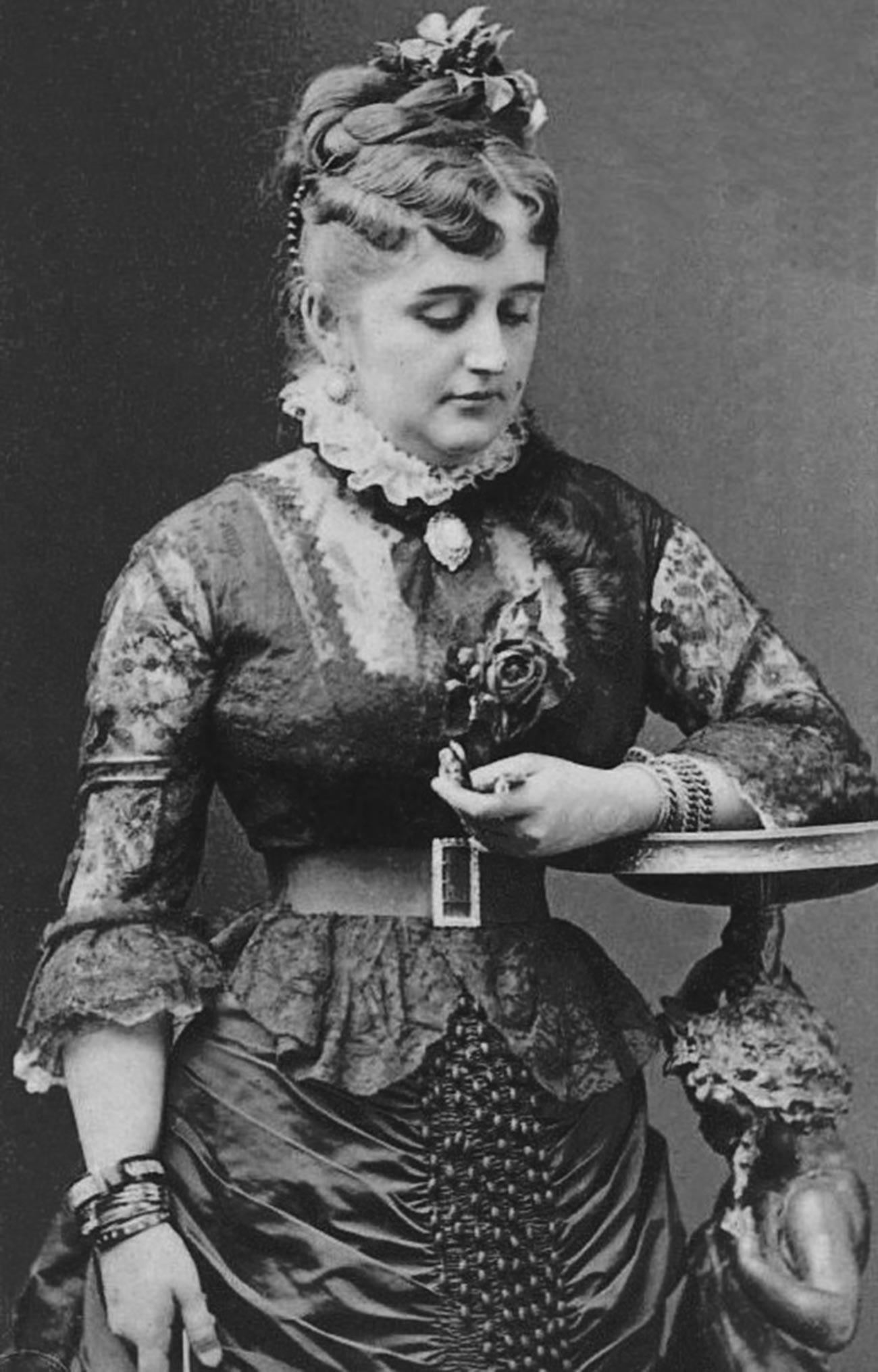 Фани Лир, около 1880 година
