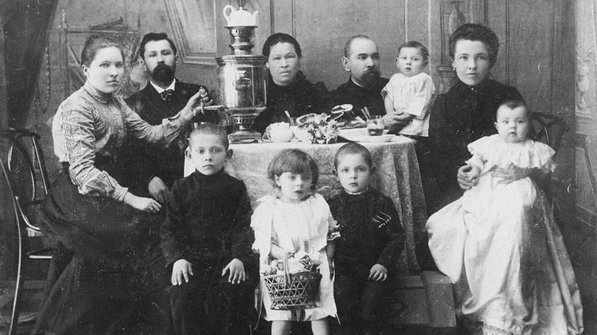 Famille de la petite bourgeoisie, années 1900