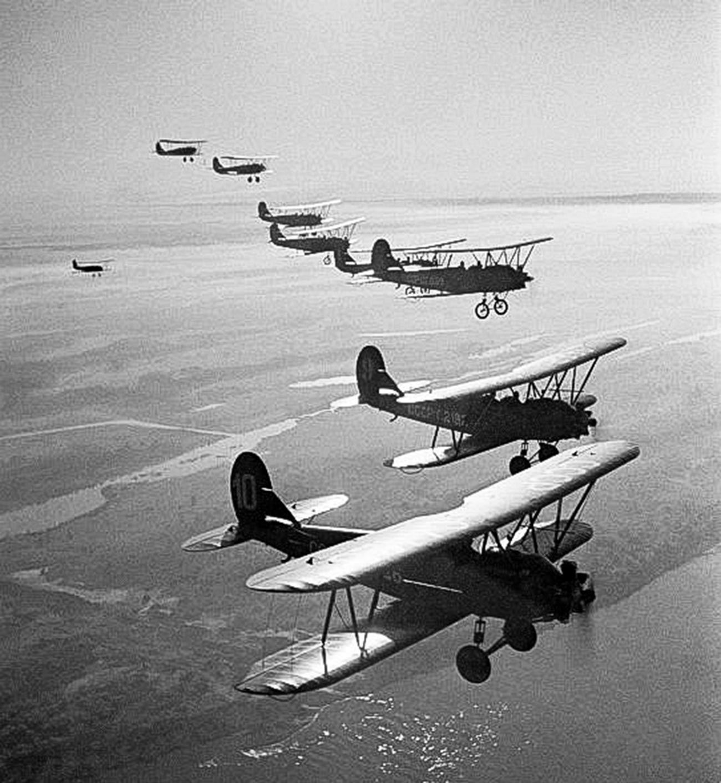 Skupina letal Po-2 v zraku