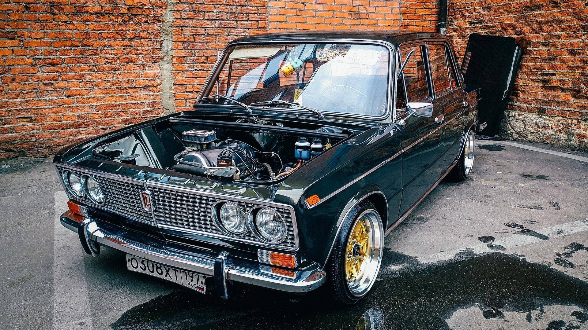 Mnogi mladi Rusi cijene retro stil ovih automobila, koji izgleda prilično dobro ako se vozilo dobro