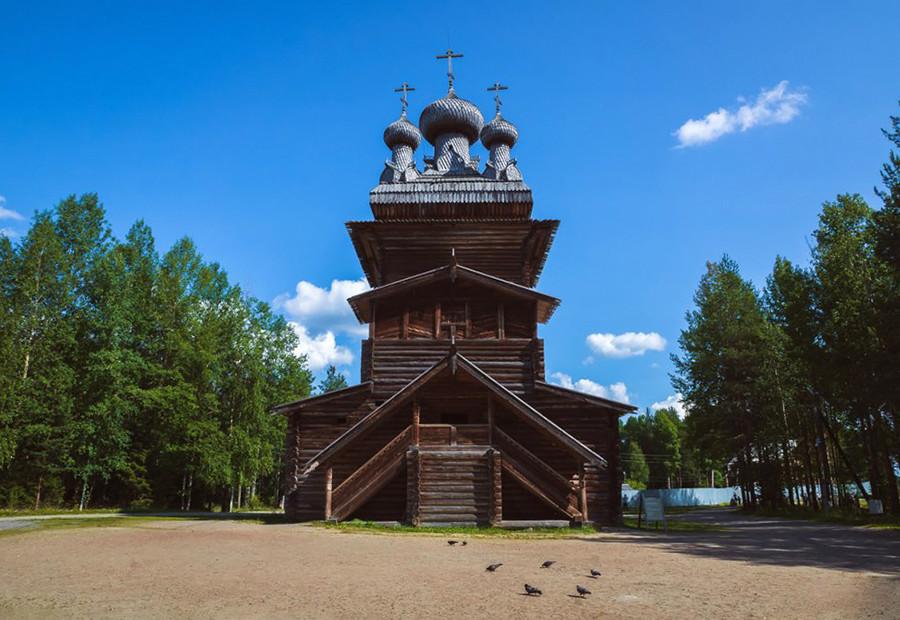 """""""Мали Корели"""", највећа на свету колекција руске дрвене архитектуре 16-19. века."""