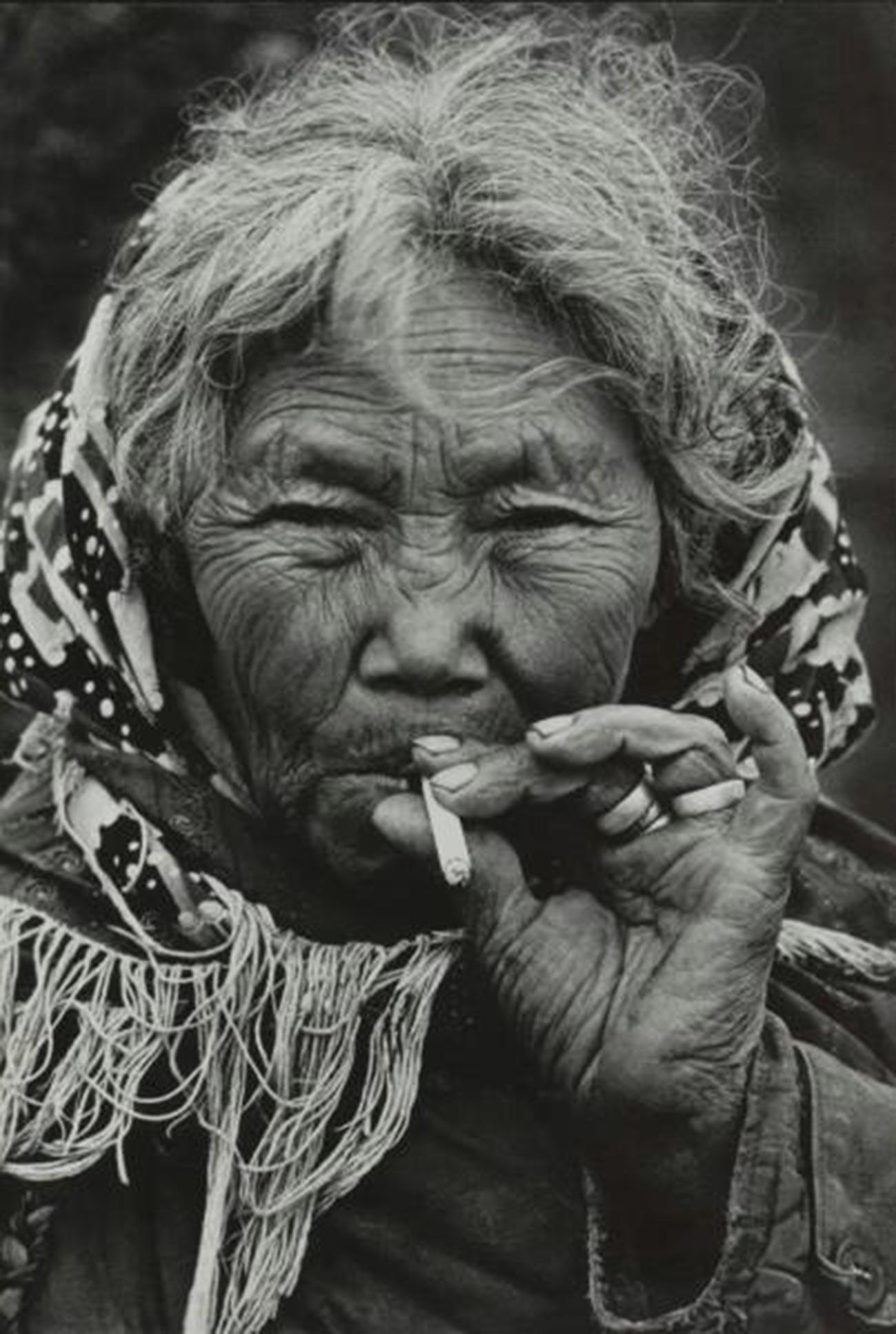 Eine alte Frau aus Tschukotka