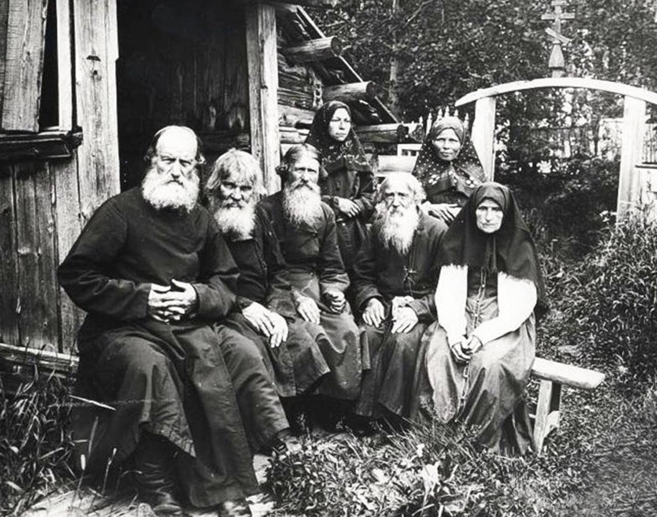 Eine Gruppe der Altgläubigen im 19. Jahrhundert