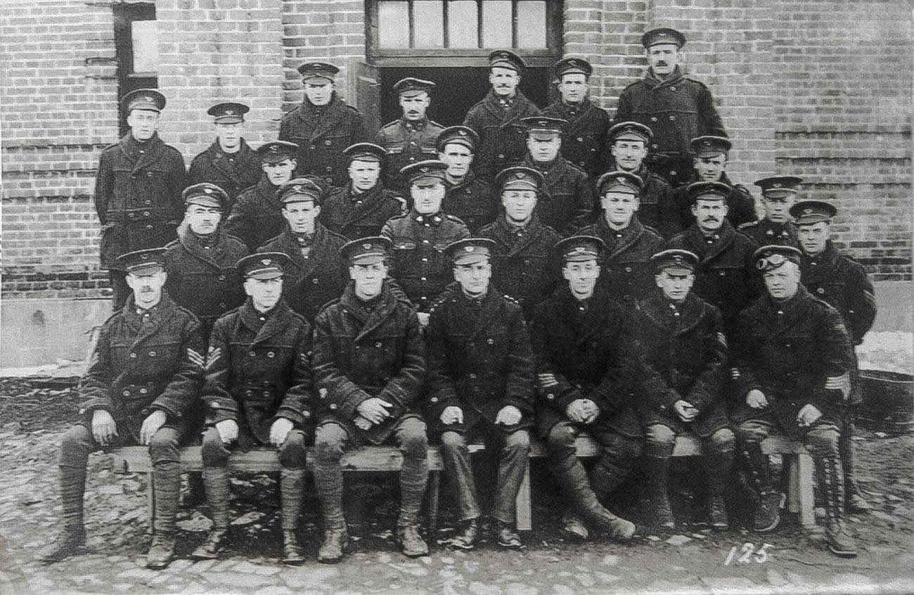 Канадските войски във Виктория, Канада