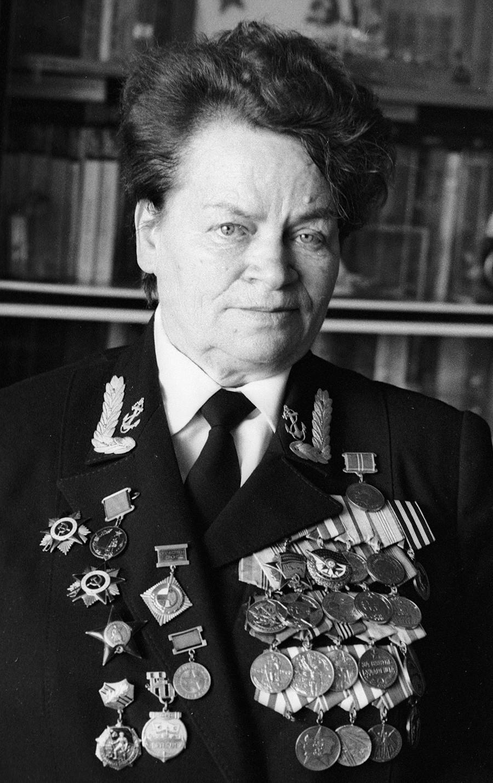 Ветеран Великой Отечественной войны Евдокия Завалий. 1990