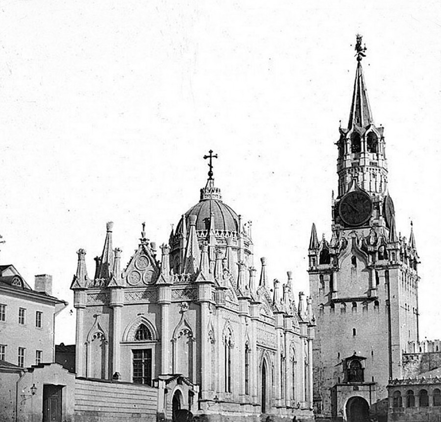 The Ascension Convent in the Moscow Kremlin, the necropolis of the Russian tsarinas. Constructed in 1518 by Aloisio de Corezano, demolished in 1929