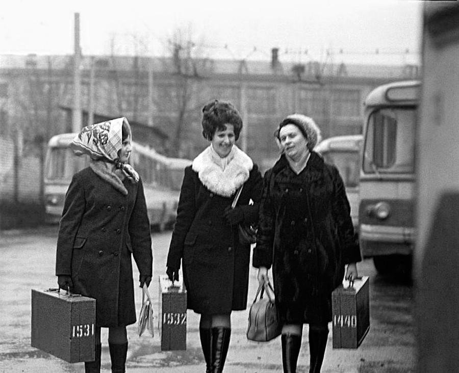 Conductrices de trolleybus, travailleuses de choc (aussi appelées stakhanovistes)