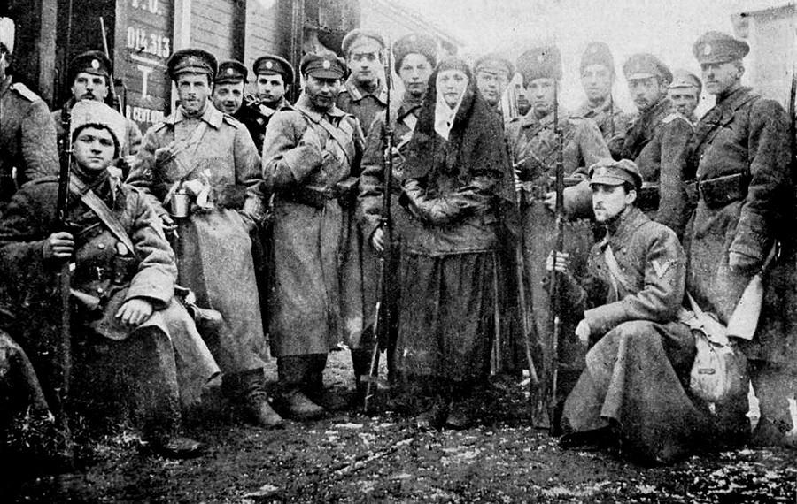 Пешадиска чета на Доброволната армија формирана од гардиски непријатели. Јануари 1918 година.