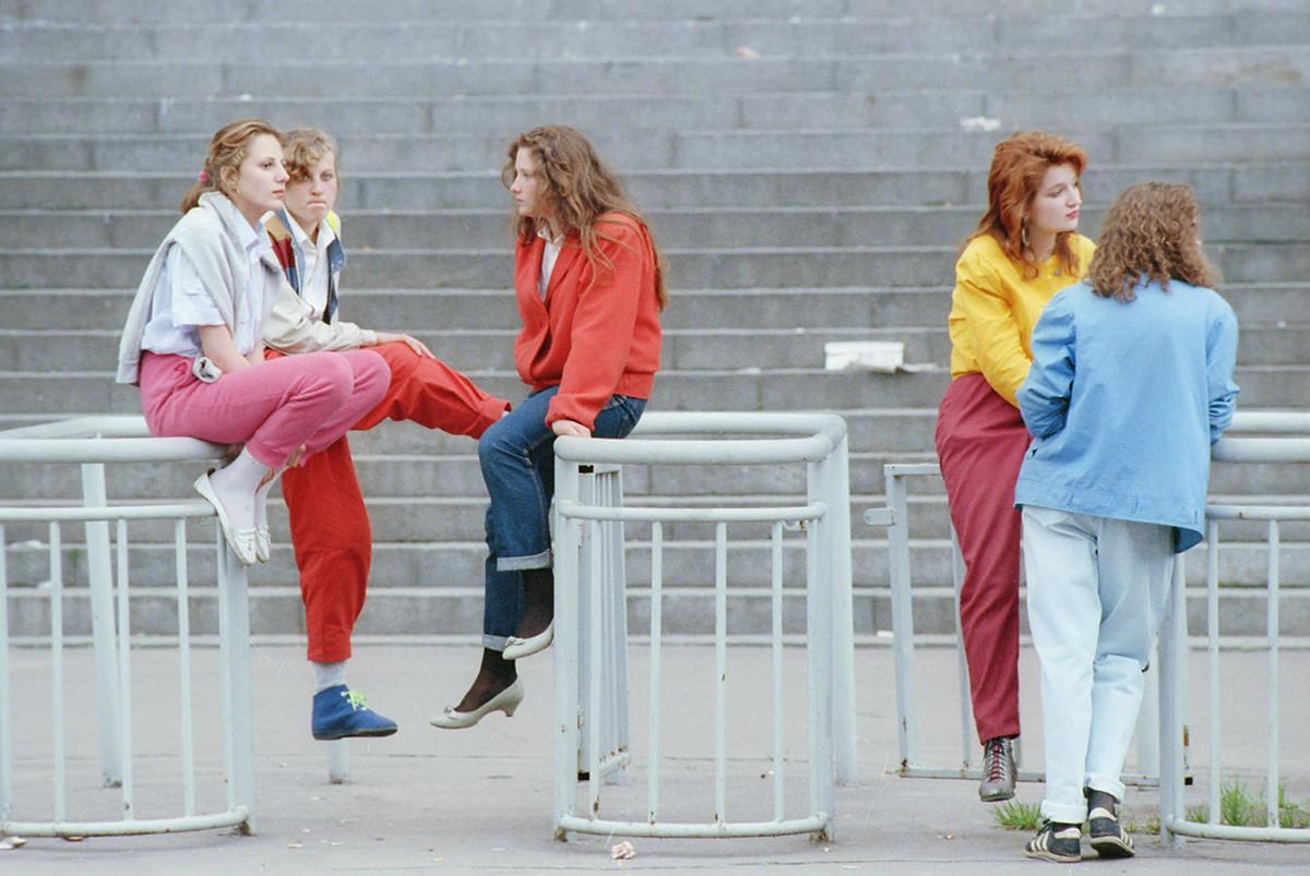 モスクワ、1990年 ワレリー・フリストフォロフのフォトエチュード「どこに行く?」