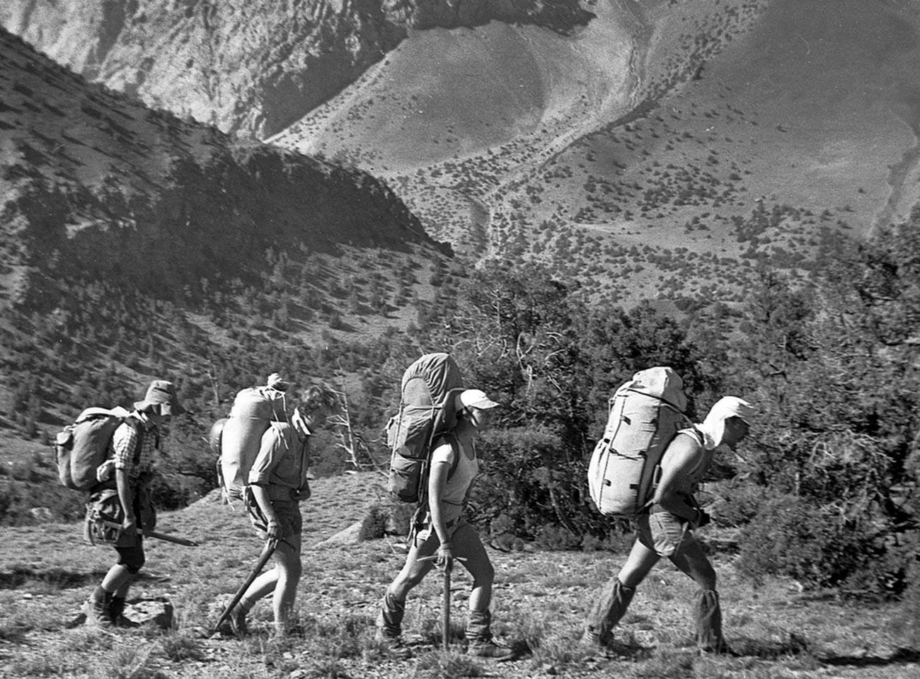パミール高原に来たソ連の登山家・ハイカー。タジク・ソビエト社会主義共和国。1986年9月3日-24日