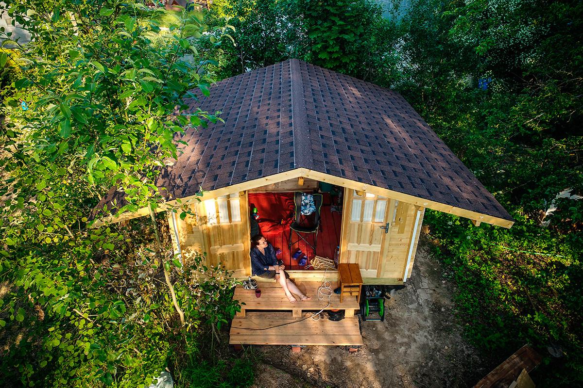 Дрвена викенд-кућа у Московској области.