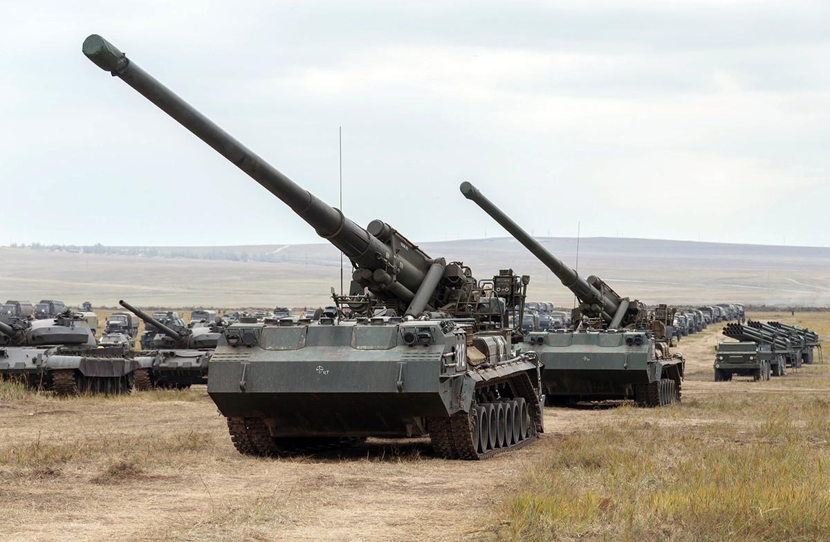 Meriam nuklir 'Pion' (2S7M Malka).
