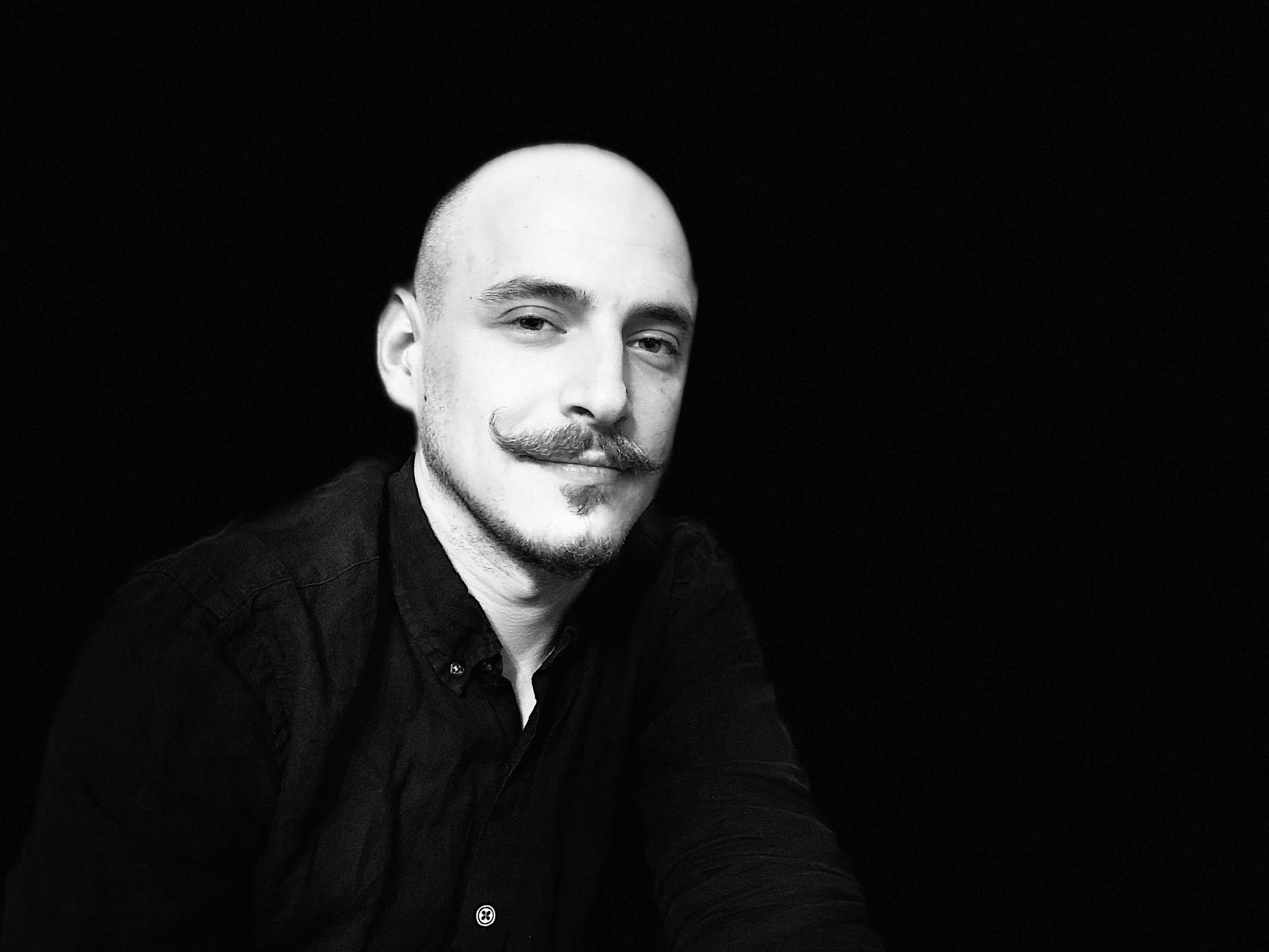 Director de la escuela, Alexánder Deméntiev.