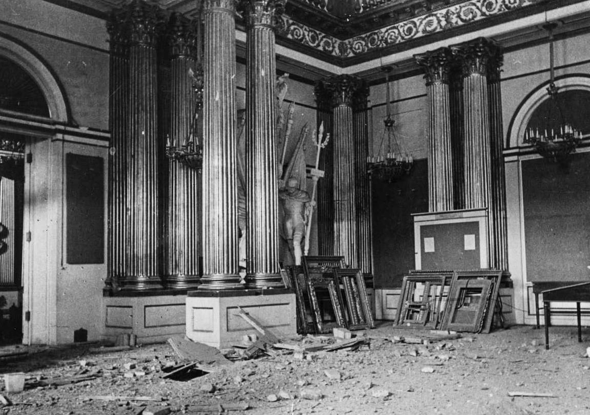 Зимний дворец, Гербовый зал. 1942