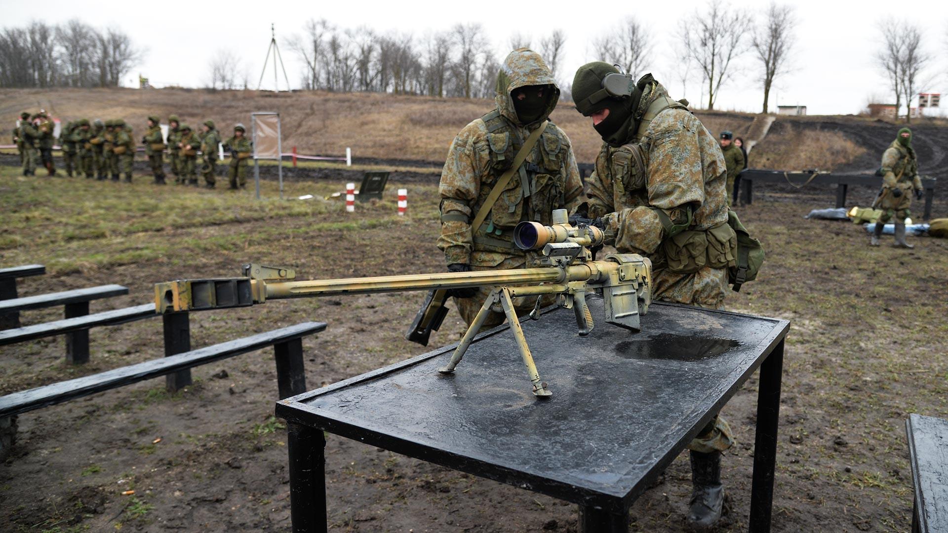 Тактическа бойна стрелба на снайперски двойки във Воронежка област
