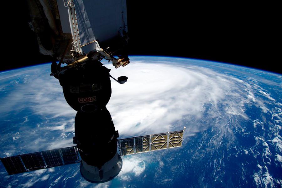 ロシアではなぜ宇宙飛行士を「コスモナフト」と呼ぶのか?