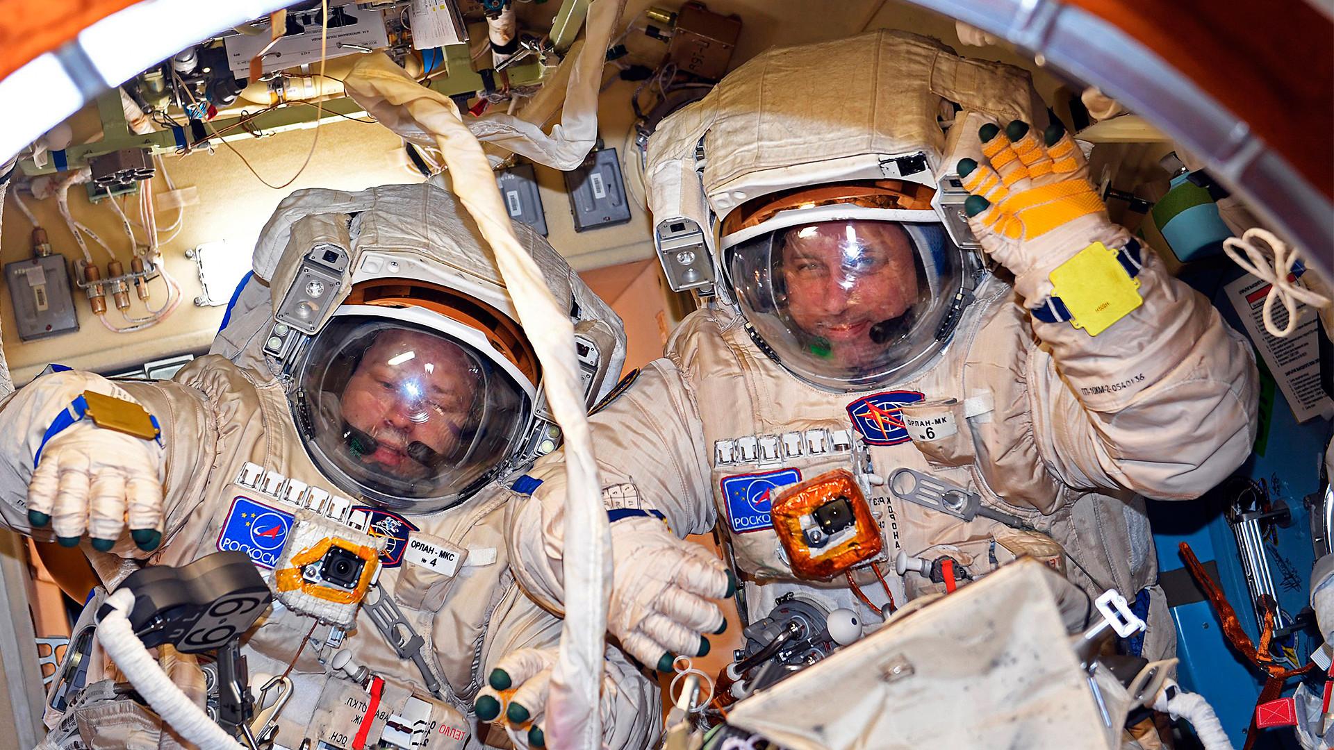 Unterschied Astronaut Und Kosmonaut