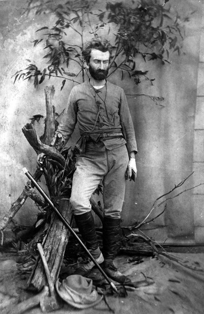 Miklouho-Maclay invalidou teoria de raça 'superior' após pesquisa entre papuásios.