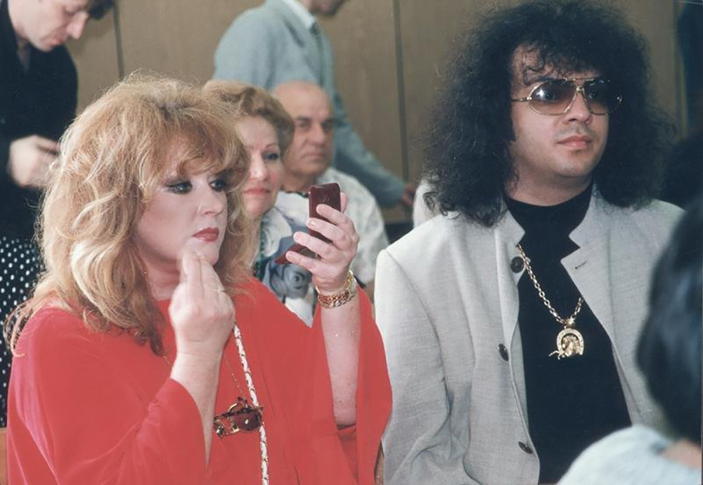 Dua ikon budaya pop 1990-an: Alla Pugacheva dan Filipp Kirkorov.
