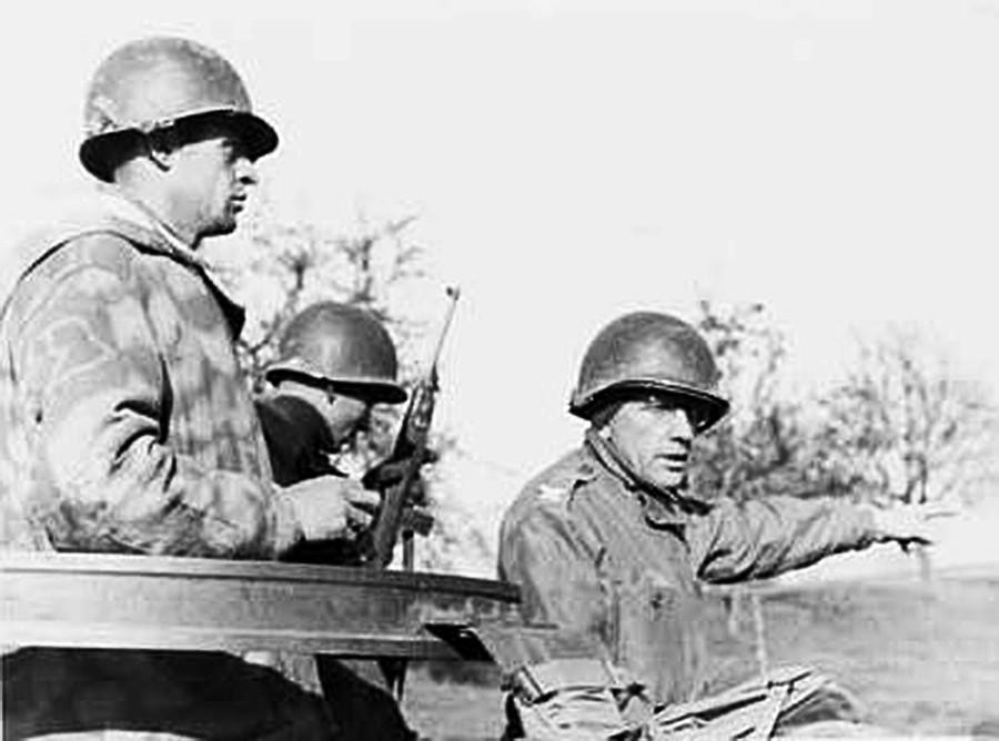 Boris Pash avec deux soldats en Allemagne